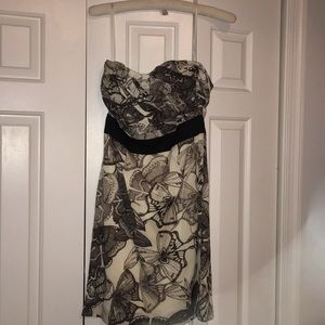 H and M cream and black strapless print dress